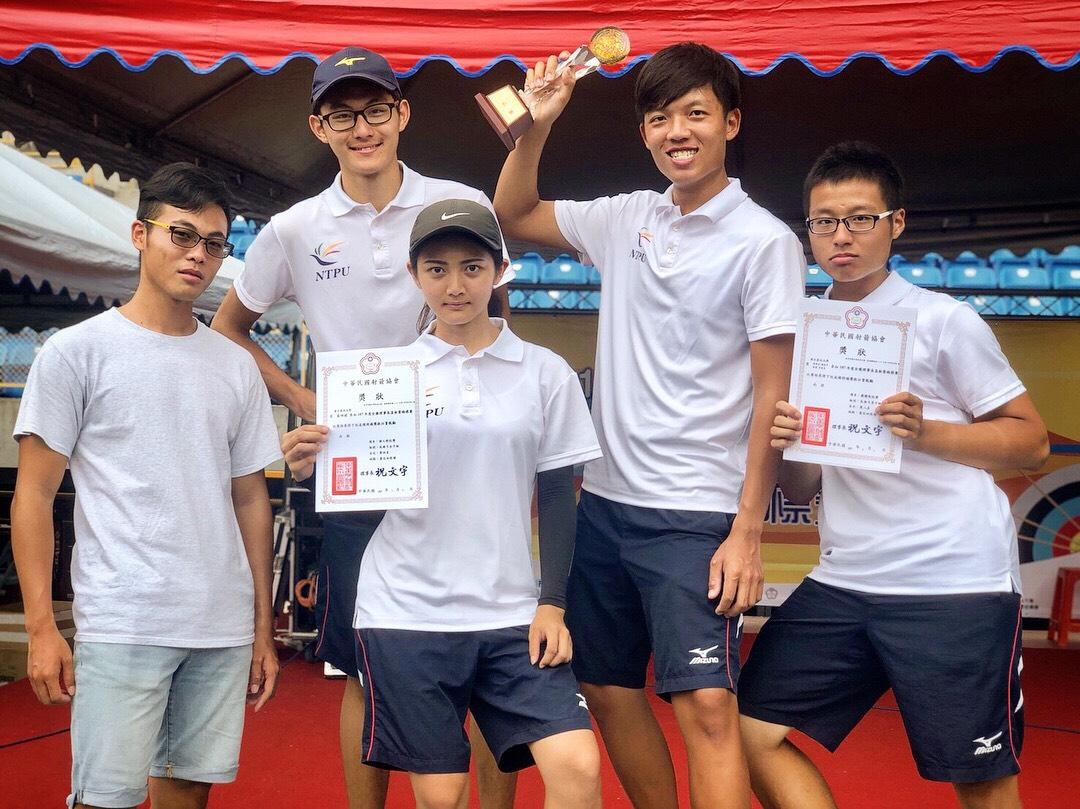 賀本校進修部公行二藍翊禎同學參加107年全國理事長盃射箭錦標賽獲得反曲弓女子個人組第四名 ,表現優異。